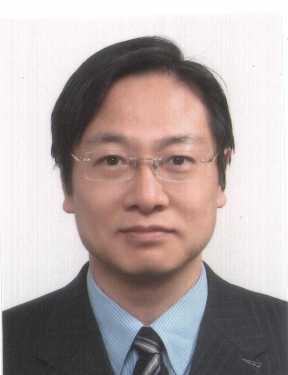 천영진 교수님 전면사진.jpg